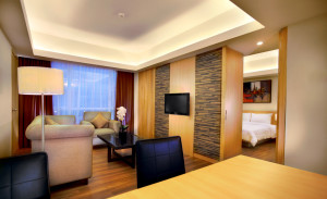 kamar hotel grand zury