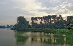 Pulau Situ Gintung: Suasana Pegunungan Ditengah Sumpeknya Kehidupan Kota