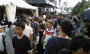 Ribuan pengunjung memadati arena Jakcloth  2015