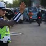 Polisi atur lintas