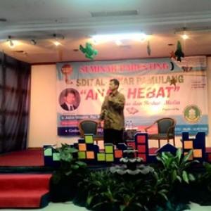 Seminar Parenting Anak Hebat di SDIT Al-Azkar