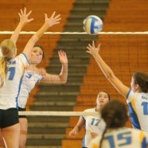 08262013-UCSB-W-Volleyball--03_t479