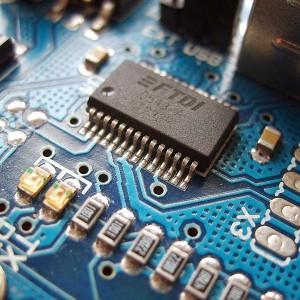 800px-Arduino_ftdi_chip-1
