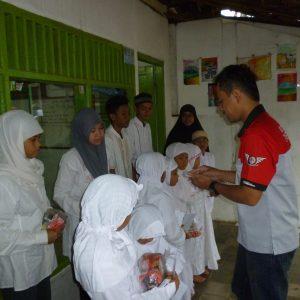 Suzuki Thunder Koordinator Wilayah Tangerang Selatan (KOSTER Tank Rangers) Gelar Bakti Sosial