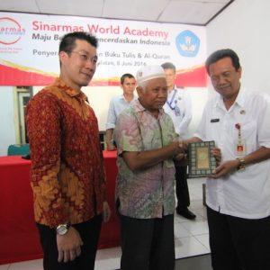 UPT Tangerang Bagi Buku