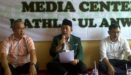 KH Sadeli Karim Ketua Umum PB Mathla'ul Anwar berikan pernyataan. Foto Dok. PB Mathla'ul Anwar