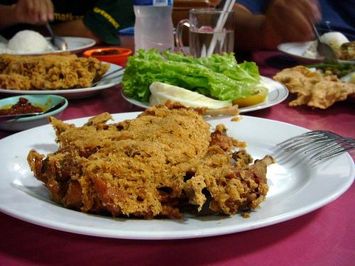 Citarasa Ayam Goreng Klasik Melegenda Ny. Suharti