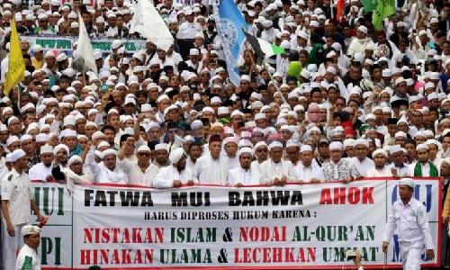 Demo tolak Ahok yang diduga penista agama. Foto: istimewa
