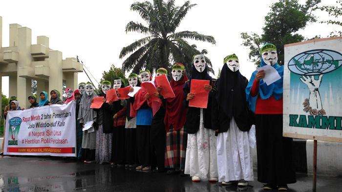 KAMMI demo Jokow-JK dalam 2 tahun pemerintahan berkuasa. Foto: Tribun