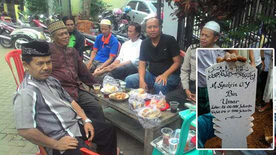 Warga takziah dikediaman korban di Binong Permai, Kab. Tangerang (5/11/16). Foto. istimewa