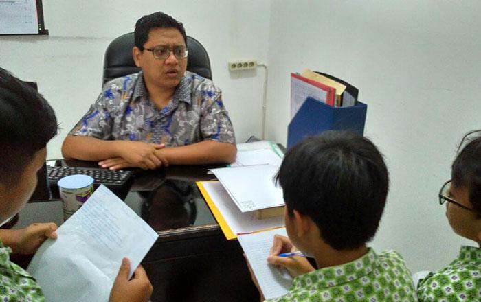 Wawancara ke Wakasek SMPIT Auliya. Foto: TangselMedia