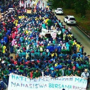 Mahasiswa Kembali Berdemo Menuntut Pemerintahan Jokowi