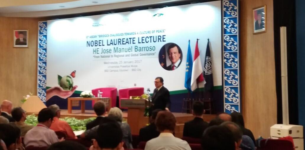 Dialog Internasional: Peran ASEAN Menjembatani Kedamaian di Dunia Internasional