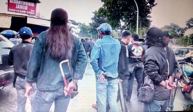 Bentrok Kelompok Pemuda, Rebutan Lahan Parkir