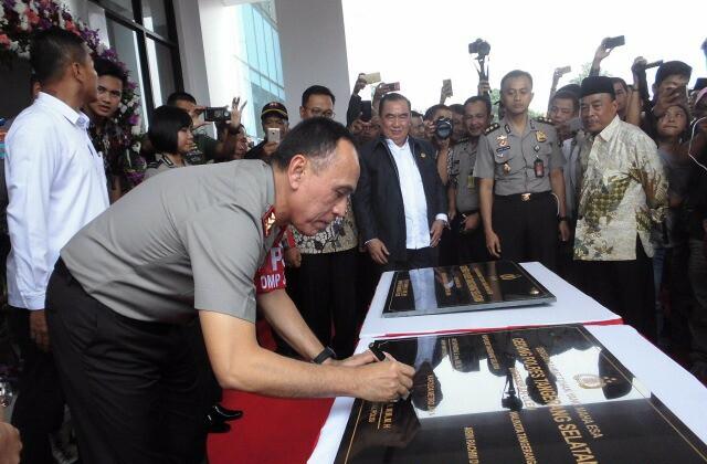 Kapolda Metro Jaya, M. Iriawan Resmikan Gedung Baru Polres Tangsel
