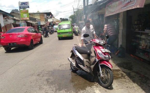 Motor Terbakar, Ketika Sedang Dikendarai di Jalan Ki Hajar Dewantara, Ciputat