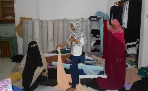 Peluang Bisnis Makloon Bersama 'Rzaid Moslem Wear'