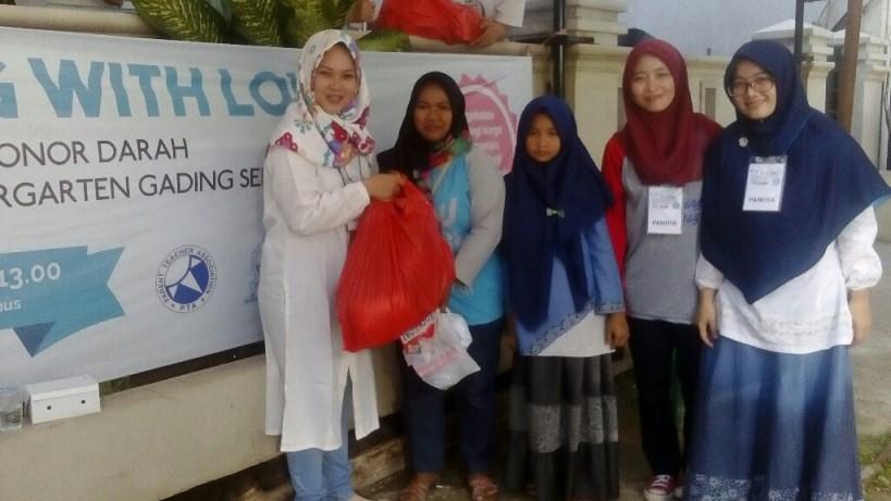 PTA Syafana Islamic School Kindergarten Gading Serpong Gelar Bakti Sosial
