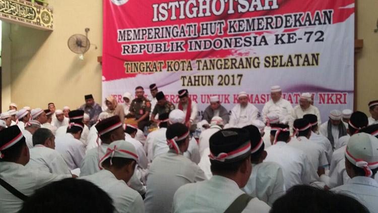 KH. Arifin Ilham Pimpin Istighosah HUT RI ke-72 yang Diselenggarakan MUI Tangsel