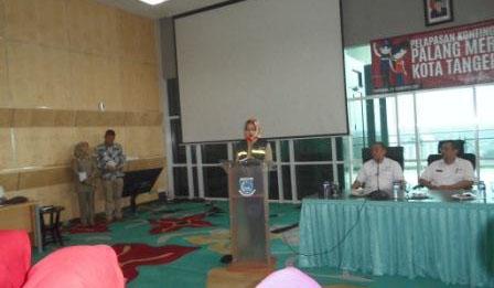 Airin Lepas dan Beri Pembekalan Kontingen PMI Tangsel Yang Akan Mengikuti Temu Karya PMI se-Banten
