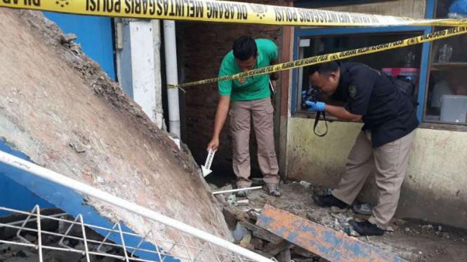 Seorang Pekerja Tewas Disebabkan Bangunan Amruk Akibat Hujan Deras