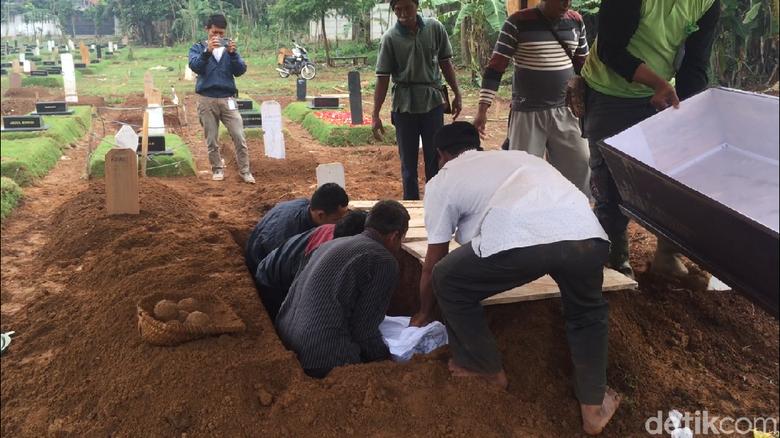 Pemakaman Teroris Cianjur di Pondok Rangon di Hadiri Keluarga