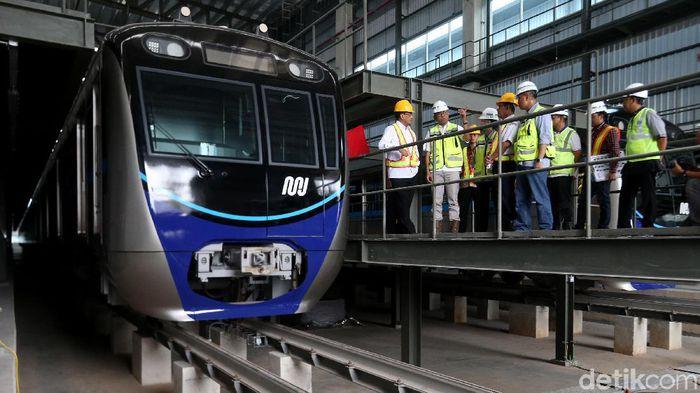 Menaiki MRT (Mass Rapid Transit ) Jakarta Bisa Menggunakan Uang Elektronik Hingga QR Code
