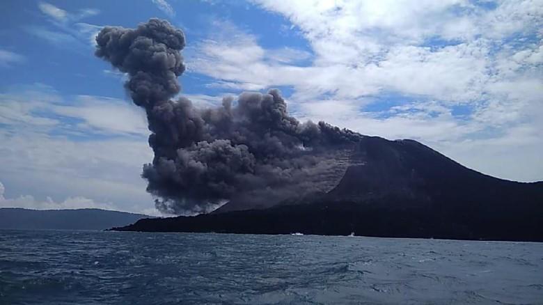 Letusan Erupsi Anak Krakatau Terdengar Sampai Anyer