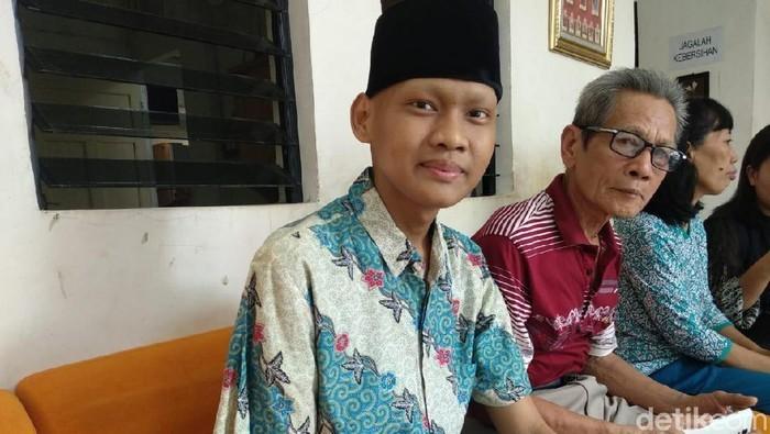 Cerita Ronaldi Yang Kehilangan Lengan Kanan Karena Kanker dan Ibu Kandungnya Secara Bersamaan