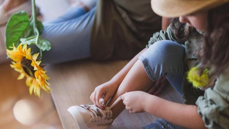 Anak Berusia 4 Tahun Ini Terkena Sepsis, Karena Mencoba Sepatu Baru