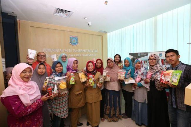 Dinas Koperasi Dan Usaha Kecil Menengah (UKM) Tangerang Selatan Berikan Sertifikat Halal Kepada 80 Usaha Mikro Kecil dan Menengah (UMKM) Binaannya