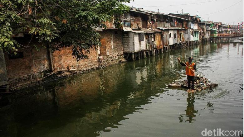 Normalisasi Sungai Ciliwung Baru 48%, Belum Seperti Sungai di Seoul