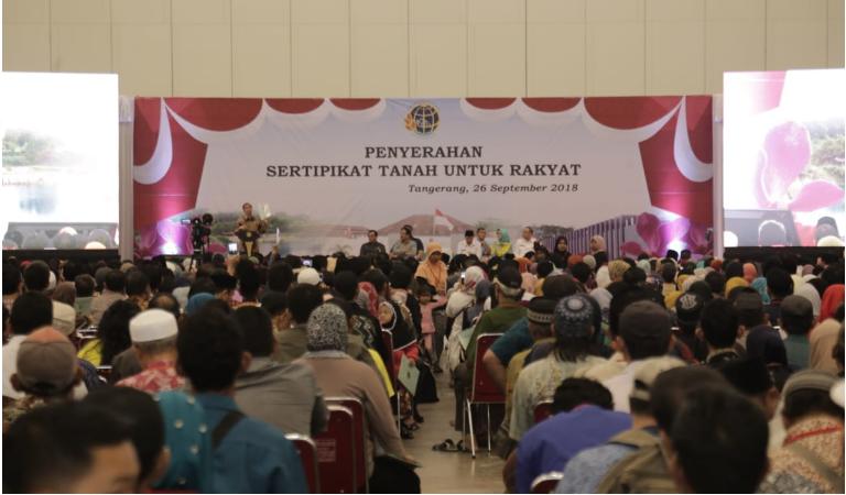 Sebanyak 5000 Warga Tangerang Selatan Dapat Sertifikat Tanah Dari Presiden Jokowi