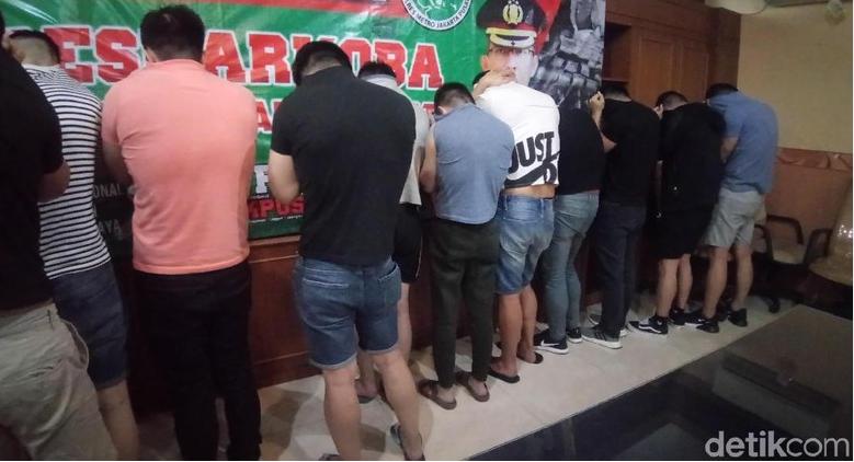 Polisi Tangkap Pemasok Narkoba ke Klub Gay di Sunter