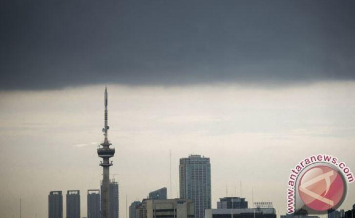 Pagi Ini Awan Tebal Menyelimuti Jakarta