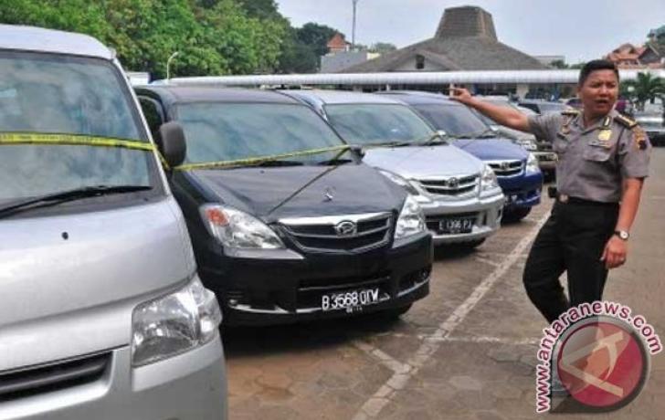 Pencuri Mobil Berkedok Pembeli Ditangkap Polisi