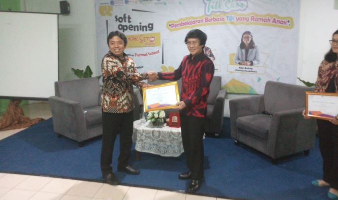 "Kak Seto School ""Flexible And Fun Formal Education"""