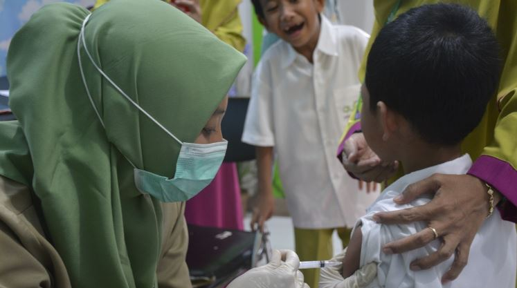 Lika-Liku Suntik Vaksin Pencegah Campak