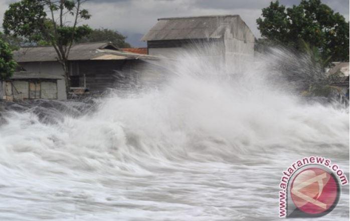 Tsunami Menyapu Keceriaan Malam Minggu Sebagian Orang Di Banten
