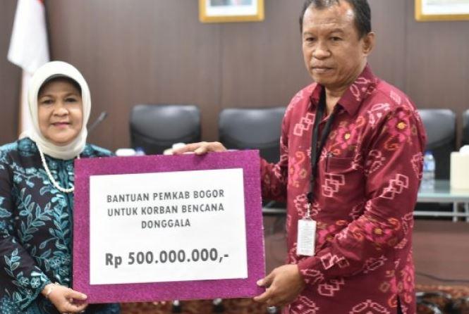 Pemerintah Kabupaten Bogor Menyerahkan Bantuan Korban Gempa Donggala