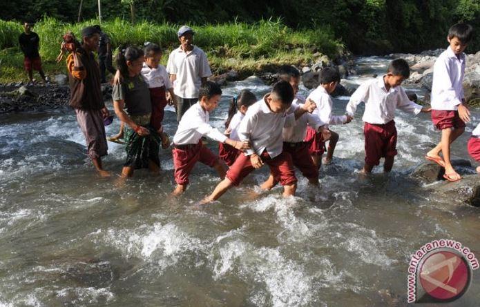 Dinas Pendidikan Jayawijaya Membangun SD Penyangga Untuk Cegah Siswa Hanyut