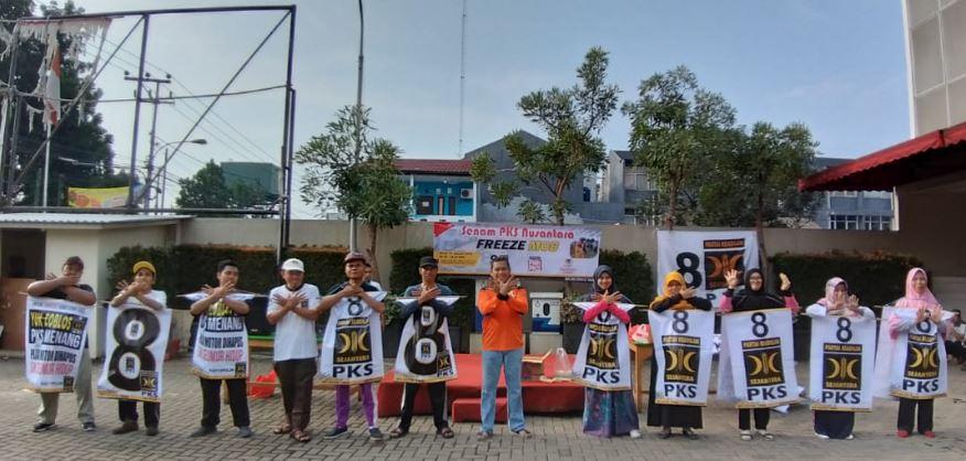 Kader PKS Se-Ciptim Lakukan Direct Selling Ke Masyarakat