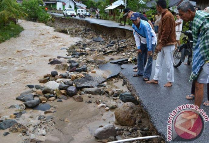 Tiga Kecamatan Di Solok Selatan-Sumatera Barat Ditimpa Banjir