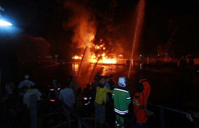 Lima Rumah Di Balikpapan habis Terbakar Akibat Ledakan Sumur Bor