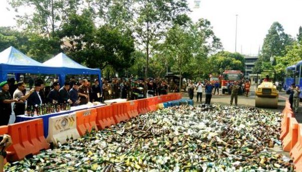 12.475 Botol Miras Digiling Di HUT Kota Tangerang Yang Ke-26 Tahun