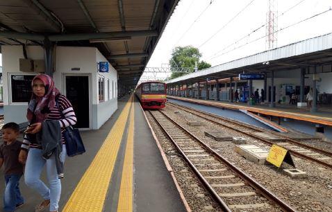 Di Kebon Pedes KRL Terguling, Stasiun Tangerang Tetap Beroperasi Normal