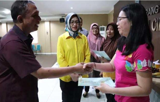 Membagikan 465 Sertifikat Tanah Di Ciputat, Airin Apresiasi Pemerintah Pusat Dan BPN Tangerang Selatan