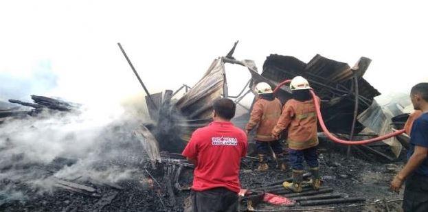 4 Bangunan Di Cireundeu Habis Terbakar