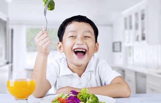 Ini Alasan Mengapa Anak Harus Dikenalkan Beragam Makanan Sejak Dini