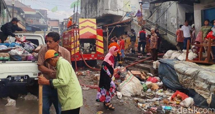 Pasar Lawang Kota Malang Terbakar, Polisi Sebut Ada 350 Kios Hangus Terbakar